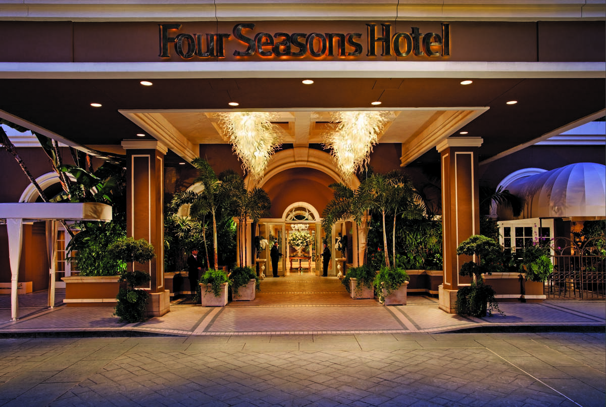 3-Four-Seasons-Hotel