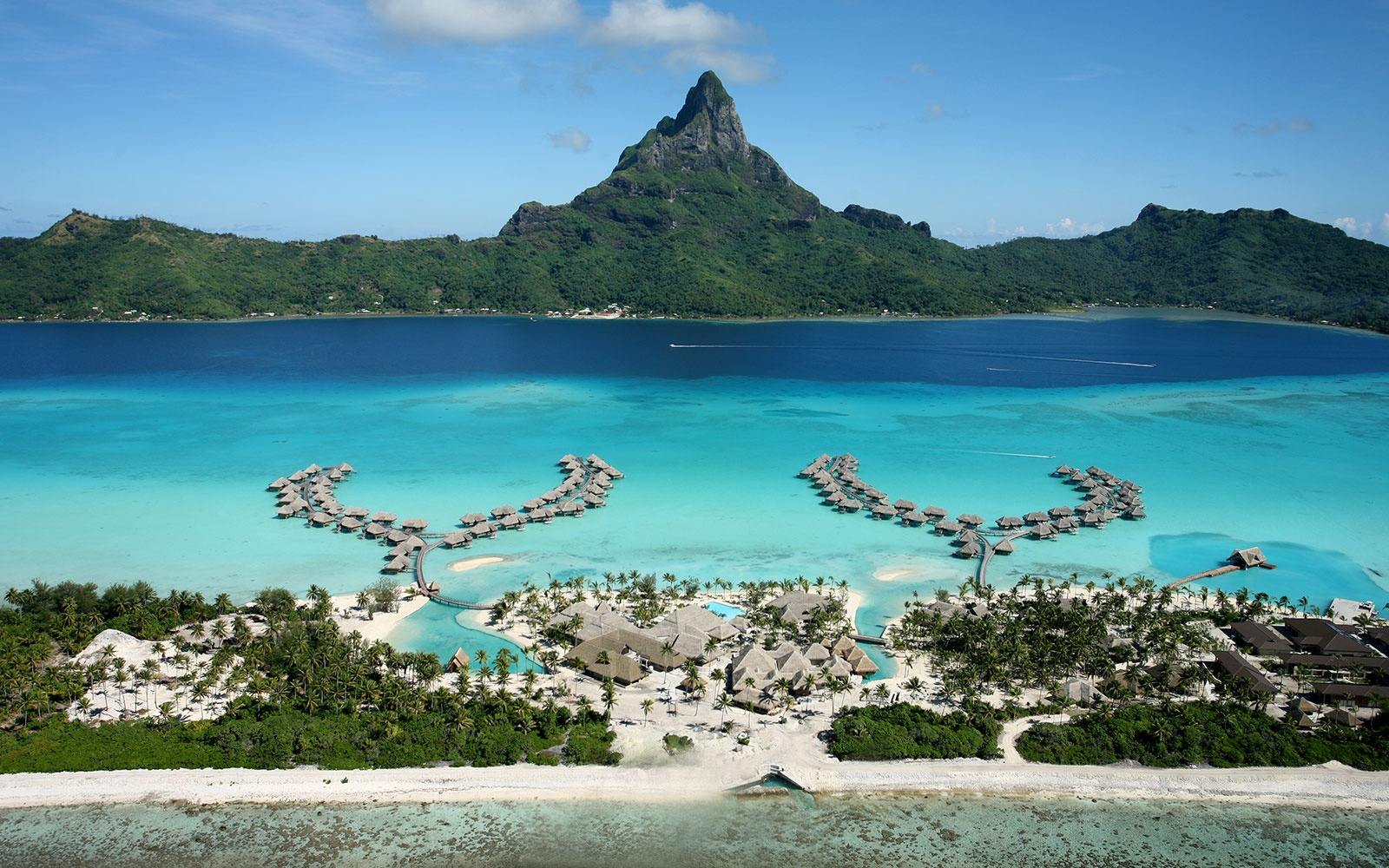 WBAUS0715-intercontinental-bora-bora-resort-and-thalasso-spa